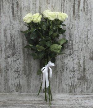 Букет из 7 белых роз (70см) #247