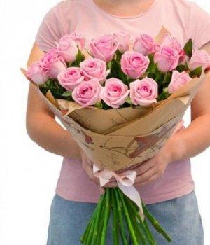 Букет из 25  розовых роз (60см) #739
