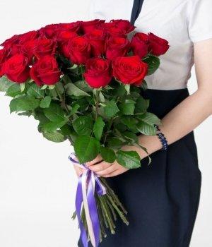 Букет из 25 красных роз (70 см) #742