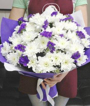 Букет из белых хризантем и статицы ( 25шт) #682