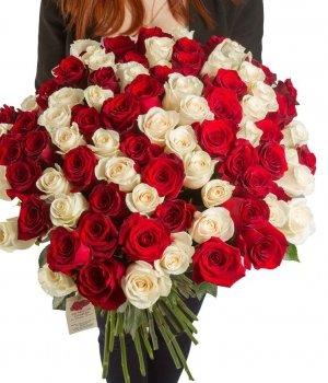Букет из 101 белой и красной розы (70 см) #44
