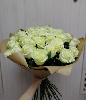 Букет из 29 белых роз (60см) #42