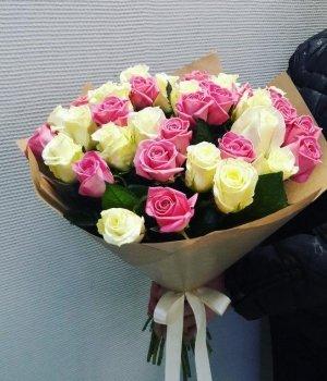 Букет из 29  бело-розовой розы (50см) #362