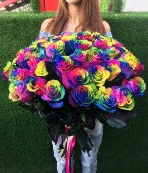Букет из 51 радужной розы #570