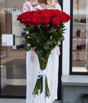 Букет из 51 красной розы (90 см) #586