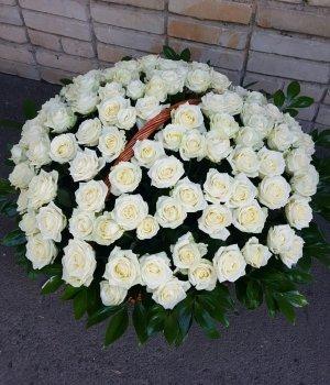 Корзина из 101 белой розы #1138