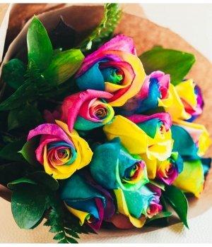 Букет из радужных роз (9 шт) #578