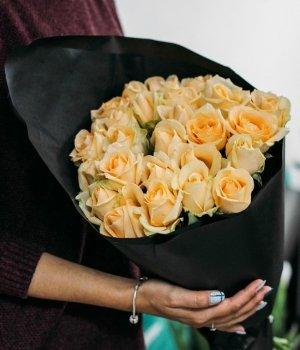 Букет из 29 кремовых роз (50 см) #1169