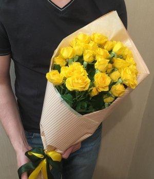 Букет из 9 желтых кустовых роз #1255