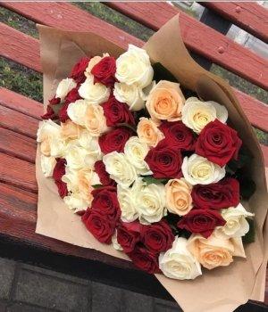 Букет из 51 розы-микс (50 см) #196