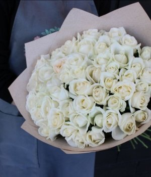 Букет из 51 белой  розы (50 см) #382