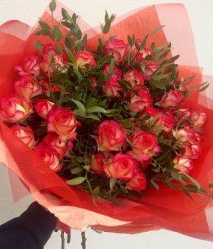 Букет из кустовых роз (19 шт) #1274