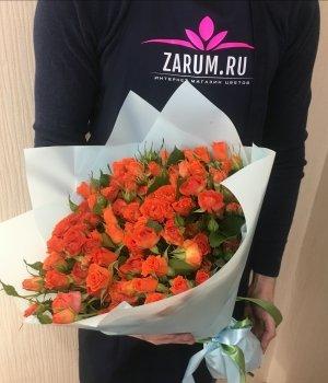 Букет из  оранжевых   кустовых роз ( 29 шт) #220