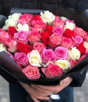 Микс-букет из 51 розы (50 см) #520