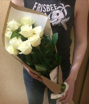 Букет из 9 белых роз (70см) #1375