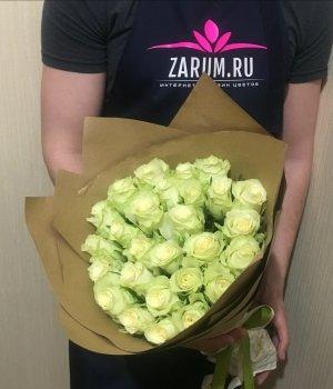 Букет из 29  белых  Кенийских роз  (40см) #259