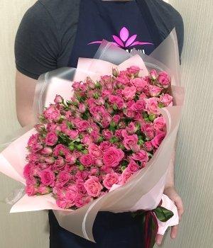 Букет из розовых кустовых роз (39 шт) #35