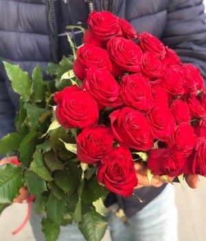 Букет из 25  красных роз (60см) #31