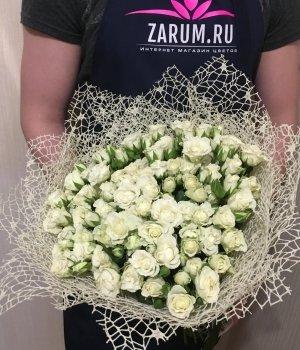 Букет из 39  белых кустовых роз #78