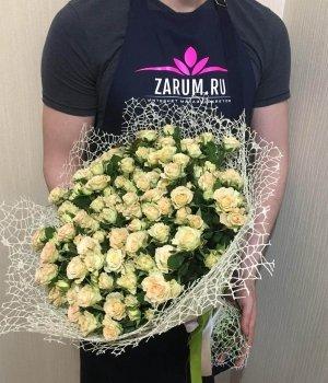 Букет из кремовых кустовых роз( 39 шт) #162