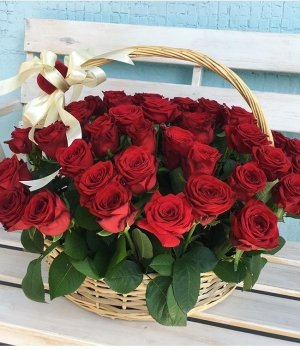 Корзина из 51 красной розы #1474