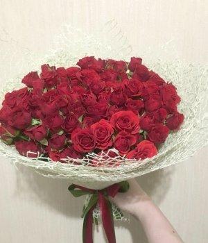 Букет из красных кустовых роз (29 шт) #1519