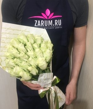 Букет из 29 белых кенийских роз (40 см) #1241