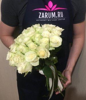 Букет из 25 белых Кенийских роз (40 см) #538