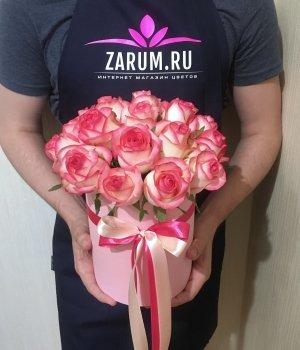 Розы Джумилия  в розовой шляпной коробке (19 шт) #1425