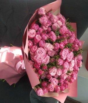 Букет из розовых пионовидных роз Леди Бомбастик (49 шт) #806