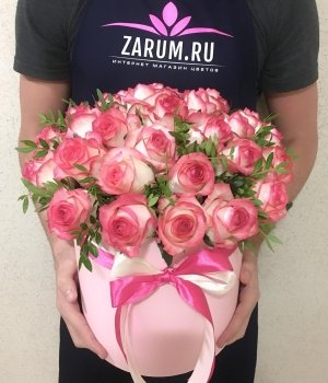 Розы Джумилия  в розовой шляпной коробке (29 шт) #984