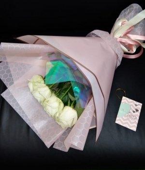 Букет из 9 белых роз (50 см) #1270