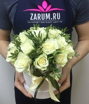 Белые розы в  белой шляпной коробке (25шт) #469