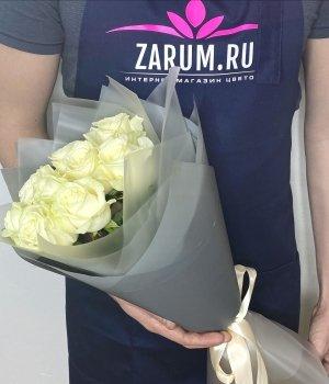 Букет из 9  белых роз (50см) #241