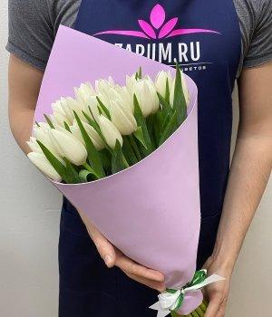 Букет из белых тюльпанов  в сиреневом фоамиране (25 шт) #1328