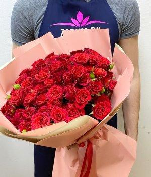 Букет из красных кустовых роз (29 шт) #460