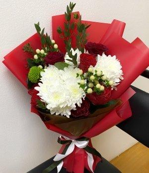 Микс букет из роз и хризантем (13 шт) #1454