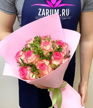Букет из 9 роз Джумилия с зеленью (50 см) #2001