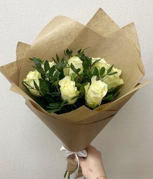 Букет из 7 белых роз ( 40 см ) #1639