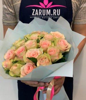 Букет из 19 Кенийских роз (40 см ) #2071