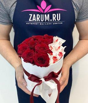 Шляпная коробка с розами и Рафаэлло #2149