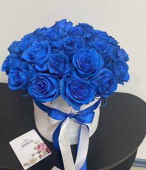 Синие розы в белой шляпной коробке (25 шт) #1040