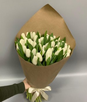 Букет из белых  тюльпанов (49 шт) #64
