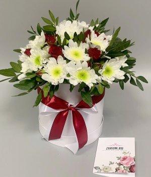 Микс из роз и хризантем в шляпной коробке #2480