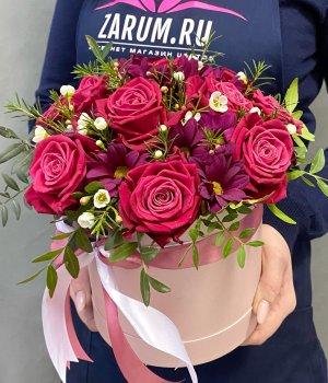 Микс из роз и хризантем в шляпной коробке #1395
