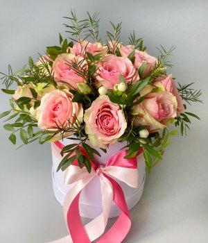 15 Кенийских роз в белой шляпной коробке #2711