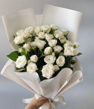 Букет из 9 белых кустовых роз (50 см ) #221