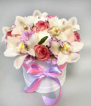 Авторская коробка с орхидеями, розами и хризантемой #2741