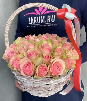 Корзина с 25 Кенийскими розами #2725