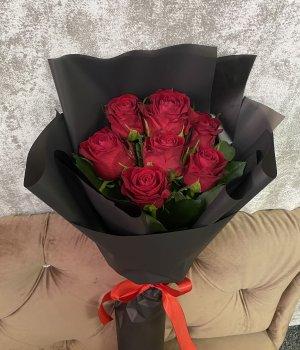 Букет из 7 красных роз (50 см ) #1937